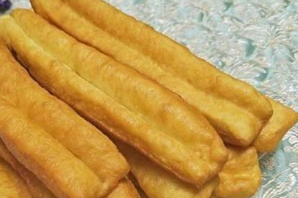 The crispy fried churros are so simple. Learn them in three minutes.