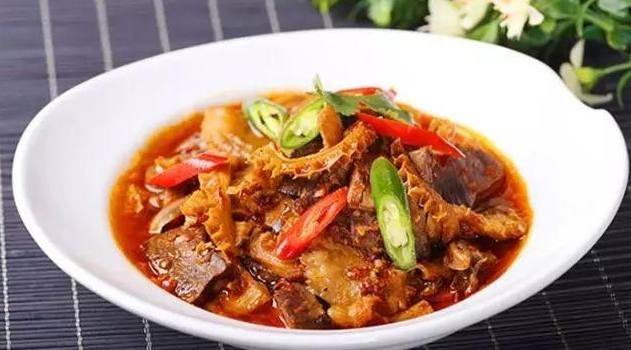 Pig intestines and duck intestines are very common in the market.
