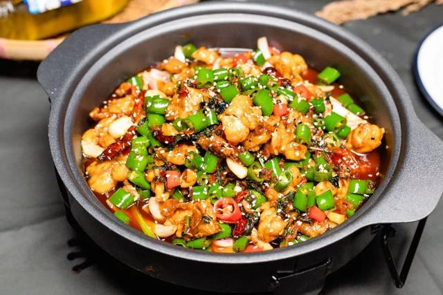 """Plus version of """"Fengjiao Beef"""" will be delivered to the store!  There are also grilled bullfrogs that don't make any money, so warm your stomach before autumn"""