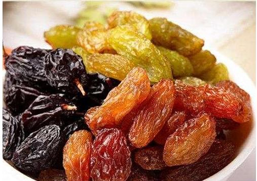 These kinds of dried fruits are good for eating, and the price is not expensive, which is indispensable during the New Year.